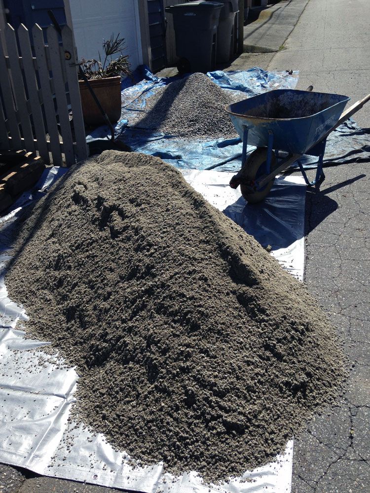 Raw landscaping materials: Sechelt sand and gravel